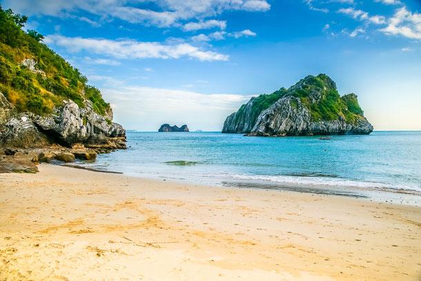 Cat Ba ist die größte Insel in der Halong-Bucht im Norden von Vietnam