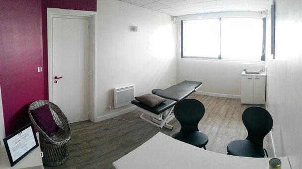Salle de consultation d'ostéopathie. Solène Marvyle Ostéopathe 16 avenue du littoral 44380 Pornichet - Cabinet d'ostéopathie Solène Marvyle - Pornichet - Saint Marc sur Mer