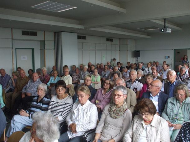 ...konnzentrierte Zuhörer bei allen 4 Vorträgen