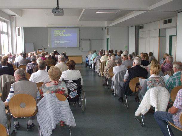 .....mehr als 100 Teilnehmer / Zuhörer  im großen Sitzungsraum im Marienhospital Essen
