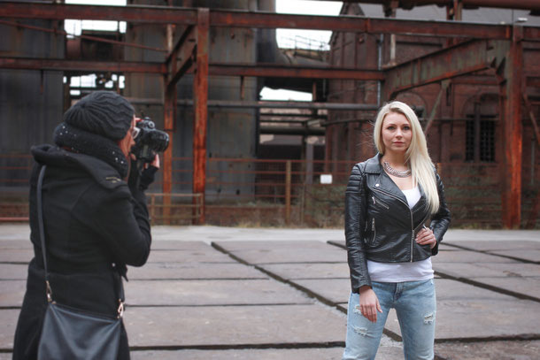 Landschaftspark Duisburg Fotoshooting mit blondem Model