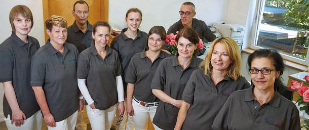 Praxisteam der Praxis Dr. Ropohl und Dr. Grande für Orthopädie und Unfallchirugie