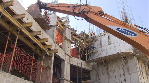 リマ周辺では建設ラッシュが続く