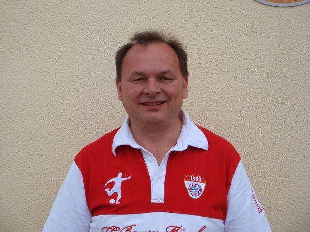 Maier Herbert: Ernennung zum Ehrenvorstand im Rahmen des Sonnwendfeuer zum 10' jährigen Bestehen des BFC-Gneiding (19.06.1999)