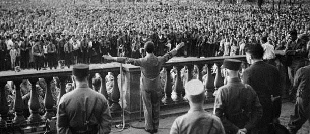 Joseph Goebbels spricht im Berliner Lustgarten (Bundesarchiv, B 145 Bild-P046287 / CC-BY-SA)