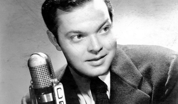 """Orson-Welles-Show-1941"" by unkown, licensed under Public Domain"