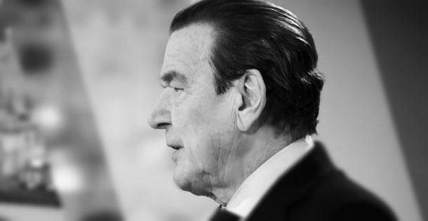 Gerhard Schröder by Stepro / Steffen Prößdorf. Licensed under CC BY-SA 3.0