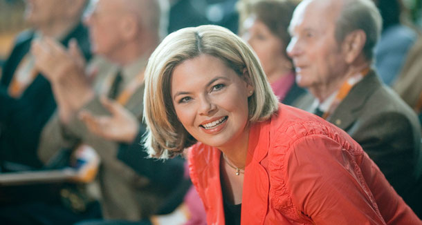 Julia Klöckner (beide Fotos sind Pressebilder von http://www.julia-kloeckner.de/presse/portraits.php