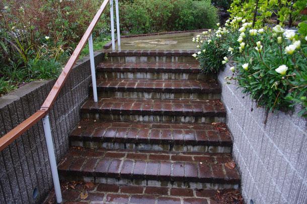 レンガ 階段