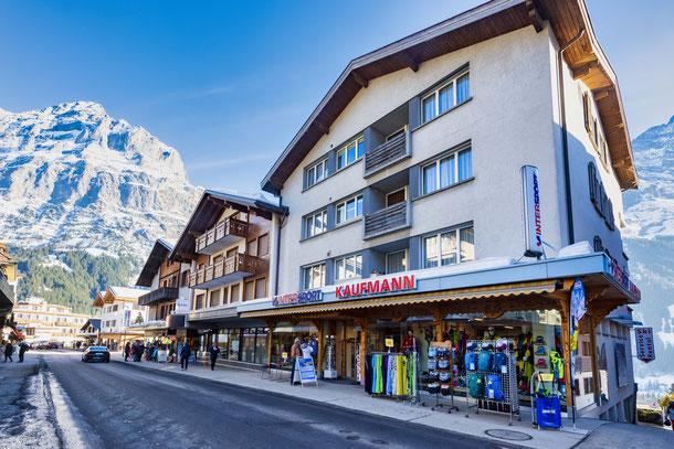 Kaufmann Sport im Dorfzentrum Grindelwald