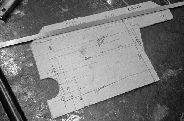 Sperrholzschablone für die mittleren Querlager einer Rautenlagerung