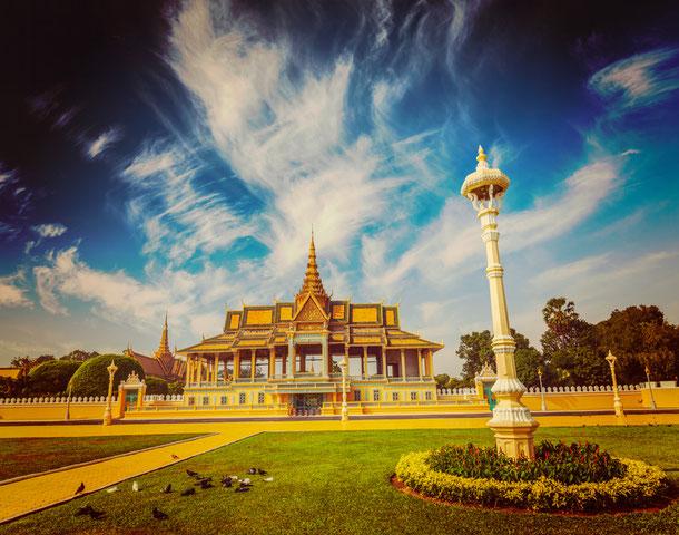 Unterwegs in der Haupstadt Kambodschas Phnom Penh, mit einem Besuch im  Königspalast.