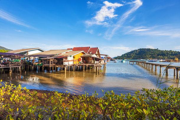Das schwimmende Dorf Kampong Phluk auf dem großen Tonle Sap See in Kambodscha.