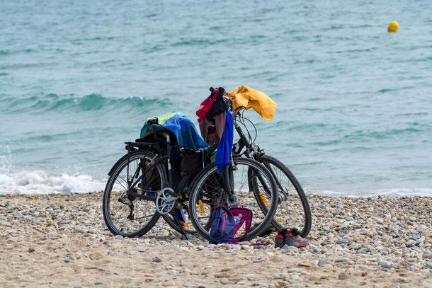 Fahrräder am Strand