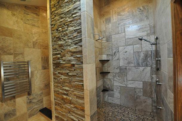 Petite salle de bain à petit budget réalisé par BTG plomberie chauffage, SDB et hamman oriental. Nous étudions tous les budjets et tarifs. BTG est le leader en plomberie à Nantes et approximité.  On est un artisan plombier chauffagiste hautement qualifié