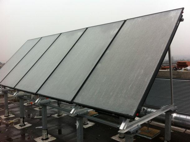 Installation panneaux solaires pour produire de l'eau chaude. BTG est trés compétent dans le domaine de la plomberie chauffage , on intervient en urgence à Nantes, et approximité. On peut chauffer une SDB avec du solaire.