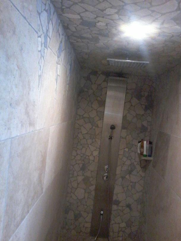 BTG plomberie chauffage se distingue par son professionnalisme dans le domaine. On a des salles de bains de haut gamme et des SDB  entrée de gamme à petit budget. BTG est un vrai réalisateur de salle de bain clé en main. SOS plombier c'est notre sercices.