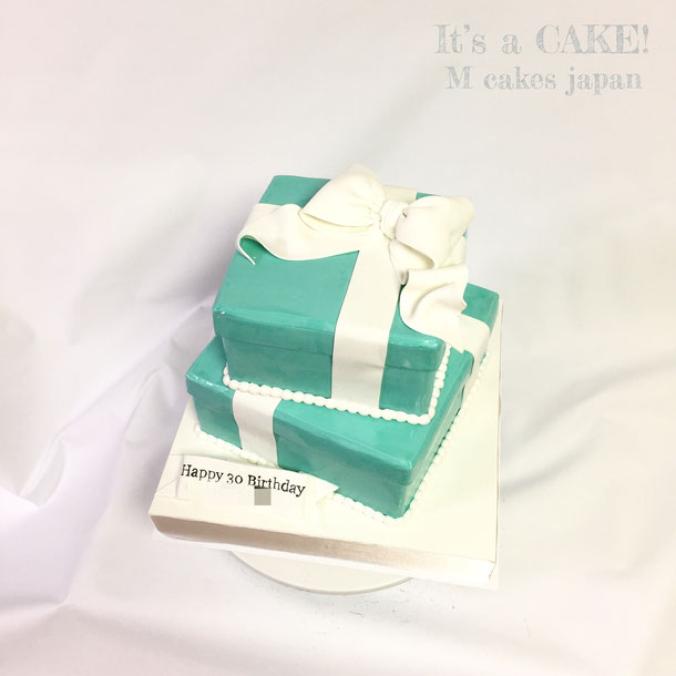 ティファニー風ボックス2段ケーキ🍰 #ティファニー #ティファニーボックス #ボックスケーキ #2段ケーキ #誕生日ケーキ #torte #gateau #cake #ティファニーブルー