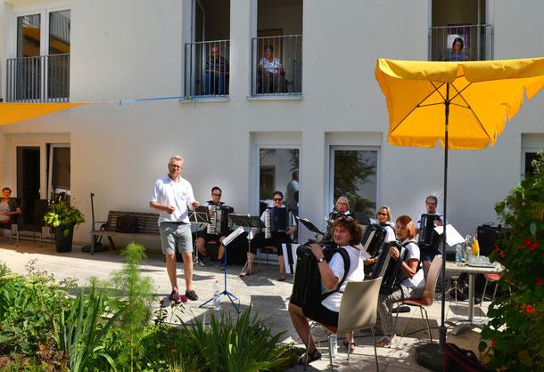 Akkordenmusik vom Feinsten HCH www.Harmonika-Club-Hildrizhausen.de