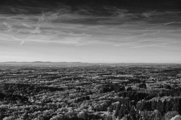 Par temps clair, la vue sur Limoges est splendide! (photo by Colin)