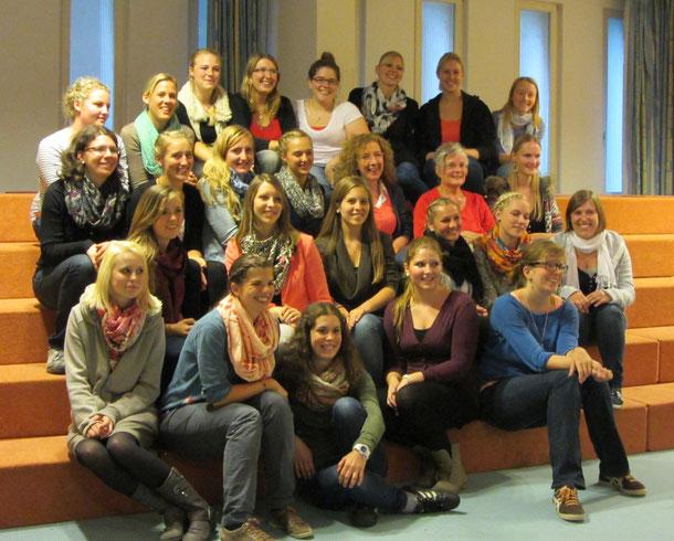 Schuljahr 2013/14   Kurs  2 (Buchner) der Fachakademie in Benediktbeuern
