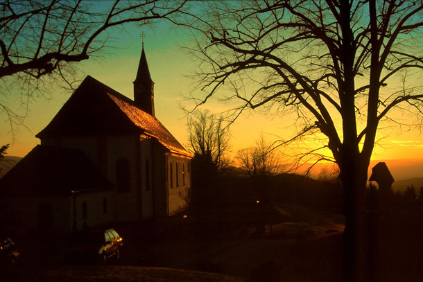 Kapelle Maria Lindenberg im Abendlicht