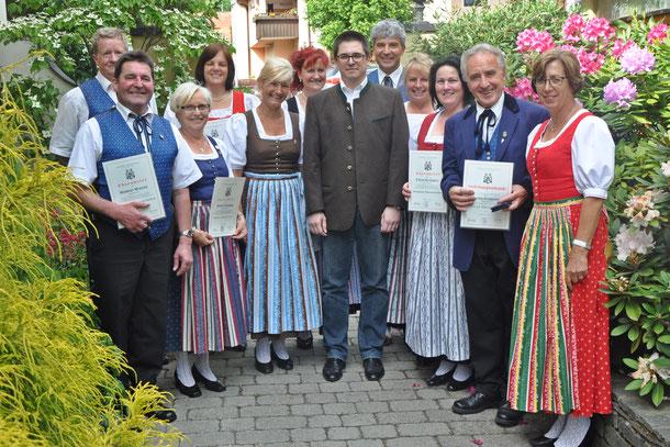 Am 5.6.2016 wurden von Herrn Dipl.Ing. Andreas Kerschbaumer vom Kärntner Sängerbund viele Ehrungen vorgenommen.