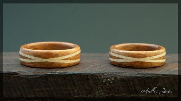 anillos de madera, alianzas de madera, wood rings, anillos artesanales, anillos de compromiso.