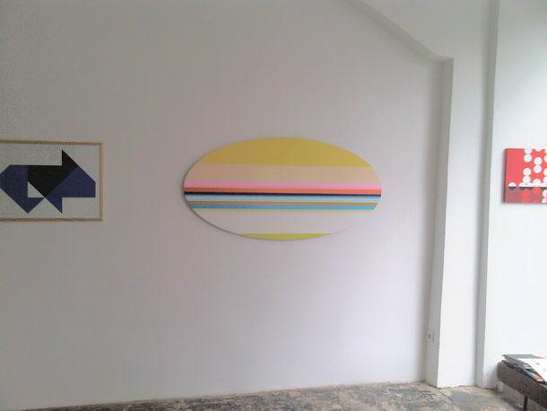 Nicholas Bodde, No. 738 oval, 2008, Öl und Acryl auf Aluminium, 150 x 75 cm