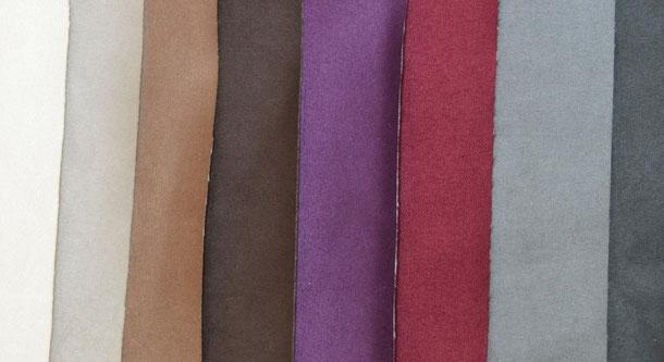 Veloursstoffe (Aussenmaterial Stiefelchen und Antirutsch-Sohlen) / natur, taupe, toffee, braun, beere, bordeaux, grau, schwarz