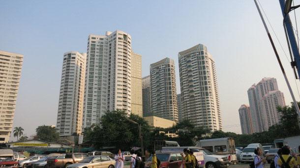 タイ人のコンドミニアム購入意欲は旺盛ですが、あくまで投資とのこと