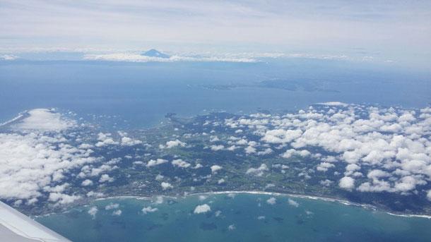 房総半島の横から富士山が見えました!天気が良くて今回のフライトは、すっごい楽しい☆