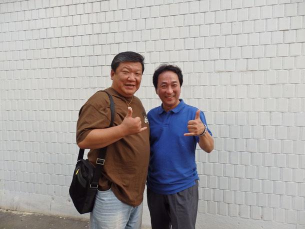 韓国のお父さんと伯父さん☆どっちも韓国のウクレレの偉い人なんだけど、僕を息子息子っていろんな人に紹介してくれるんです♪大好き♪