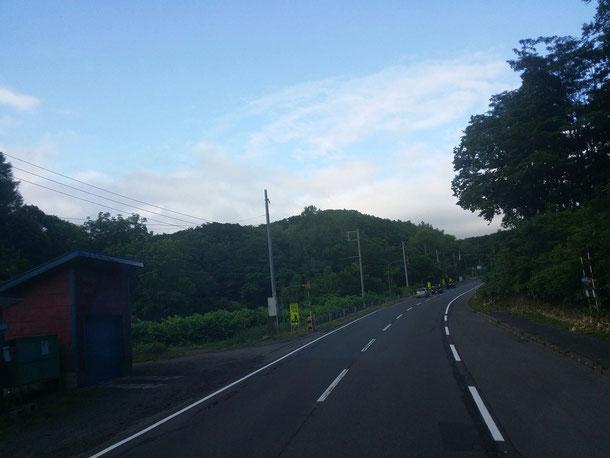 小樽駅からバスでニセコ駅まで向かいます♪山越えの山越えのまた山越え♪2時間くらい!のんびりDVDタイム(笑)