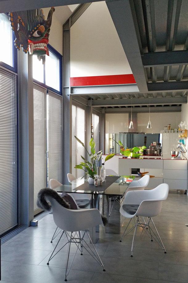 Offenes Wohnen und große Fensterflächen - Licht und Luft erheitern das Gemüt
