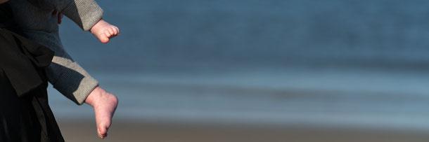 Fotoshooting Fotoshooting am Strand Strandfotoshooting Strandfotos Fotograf St. Peter-Ording Familienshooting Urlaubsbilder Fotoshooting Outdoor Familienfotoshooting Fotoshooting in St. Peter-Ording
