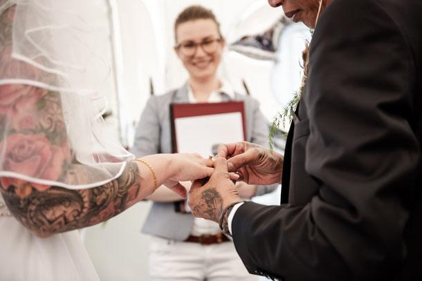 Hochzeit im Moods Heidelberg. Der Ringtausch  - Foto: www.dk-fotos.com/