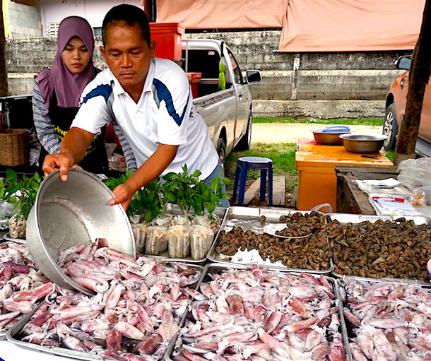 Sea food at the Bang Niang Market