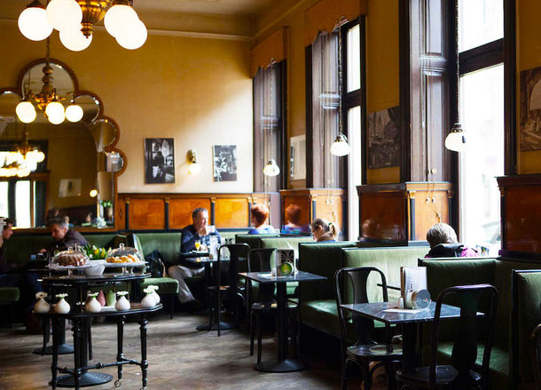 уникальный отель в бывшем магазине в Вене