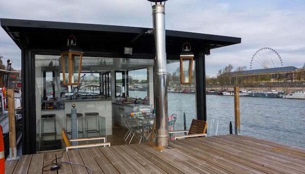 Boat Hotel in Paris