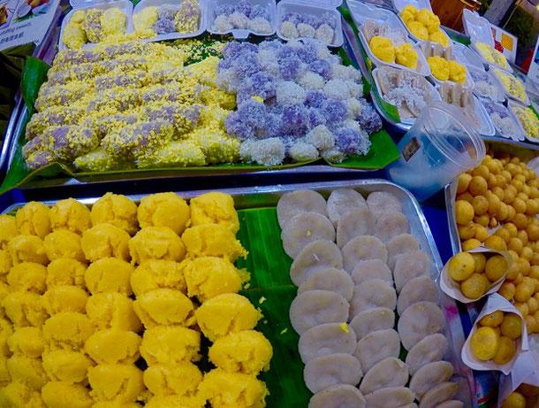 Необычные десерты на ночном рынке Пхукета