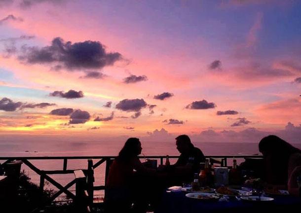 Закат в ресторане со смотровой площадкой After Beach Bar Phuket
