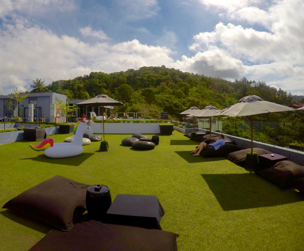Отель The Galleri By Katathani, Phuket - смотровая площадка с бара на крыше