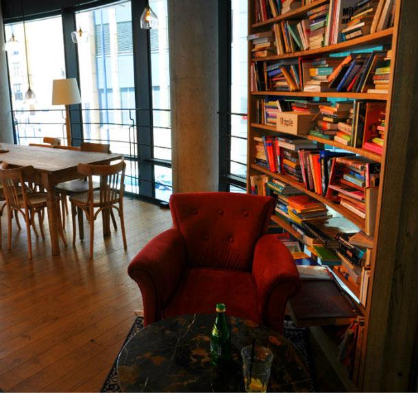 Cozy ambiance @ Caffe Nero Warsaw