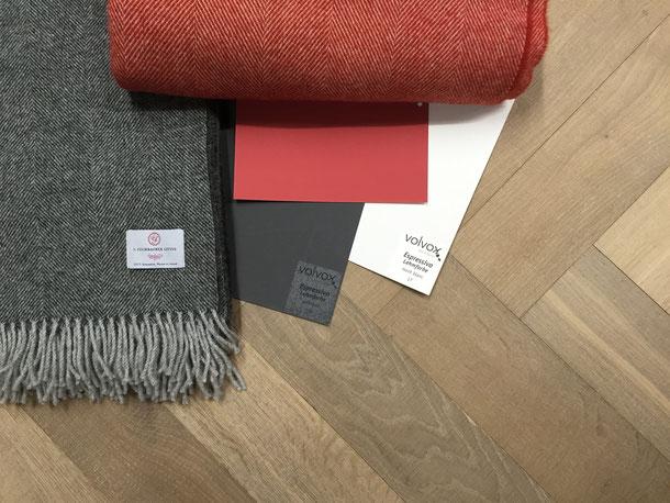 Kombinationsempfehlung Parkett Schurwolldecke Farbmuster braun-Lehmfarbe