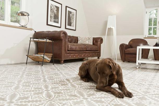 Via platten, zementfliesen, fischbacher living, antik, hochwertig, klassisch, braun, beige, weißedel