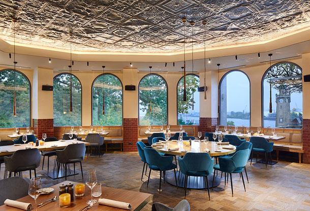 """Tafelparkett """"London"""" im Restaurant """"Kleines Port"""" Hotel Hamburg Hafen,  ©Stimmungsfänger"""