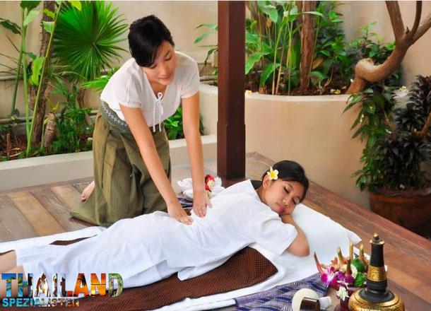 Thai-Massage im Siam Heritage Hotel Bangkok auf dieser Rundreise