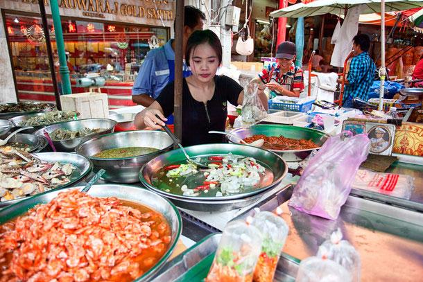 Thaiessen von der Strasse in Bangkok