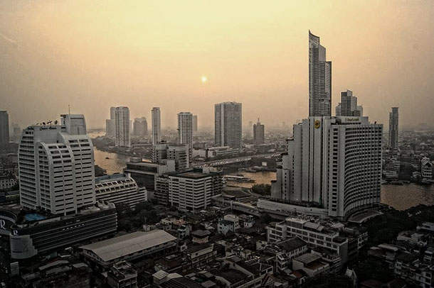 Chao Phraya (Bangkok) mit der Mekhala